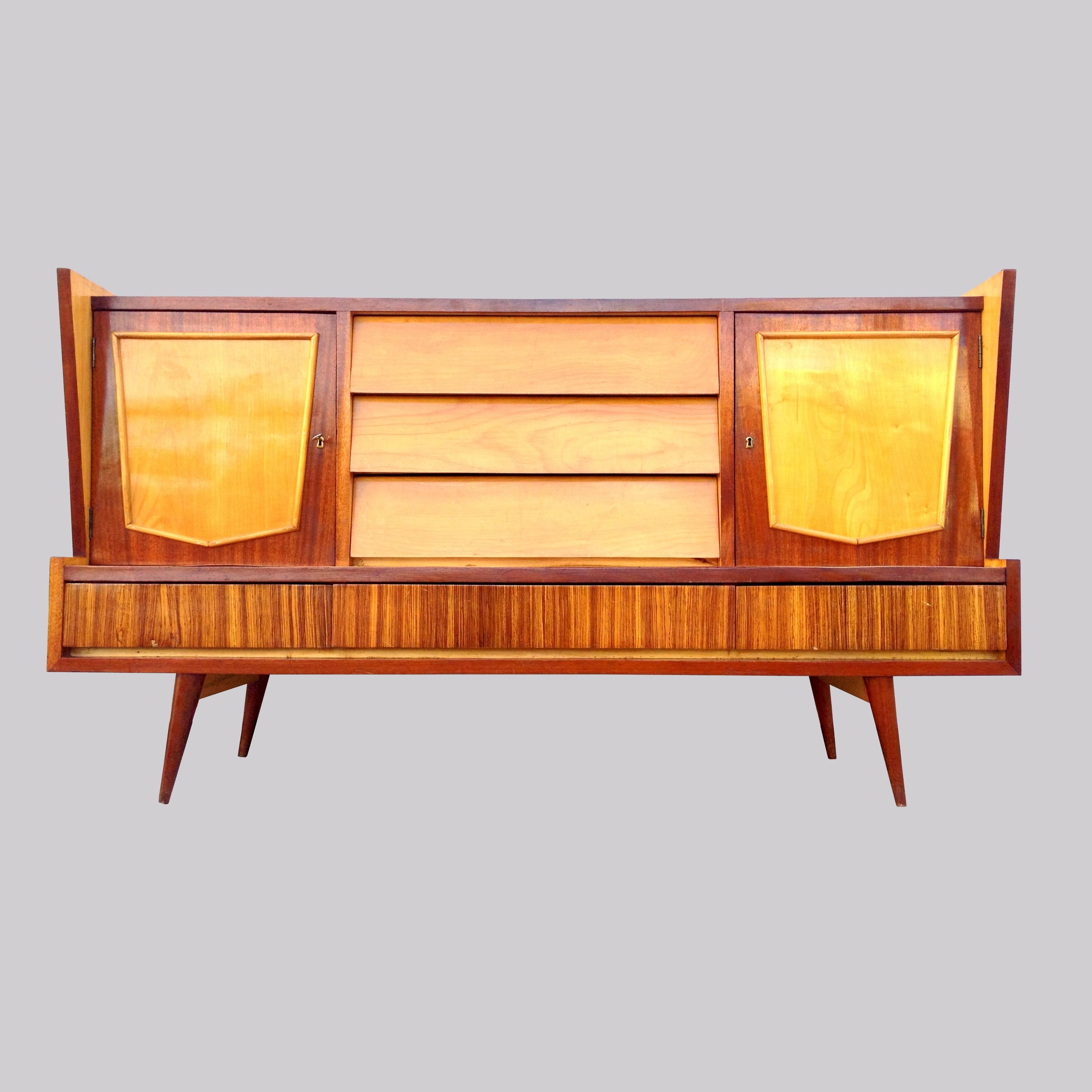 Muebles daneses madrid el estilo vintage es tendencia - Muebles anos 50 madrid ...